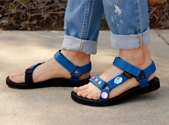DIY: Prada-Inspired Sandals with Key to Chic