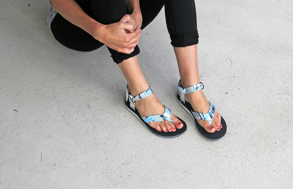 Teva Blog Ember Diy Paint Splatter Sandals