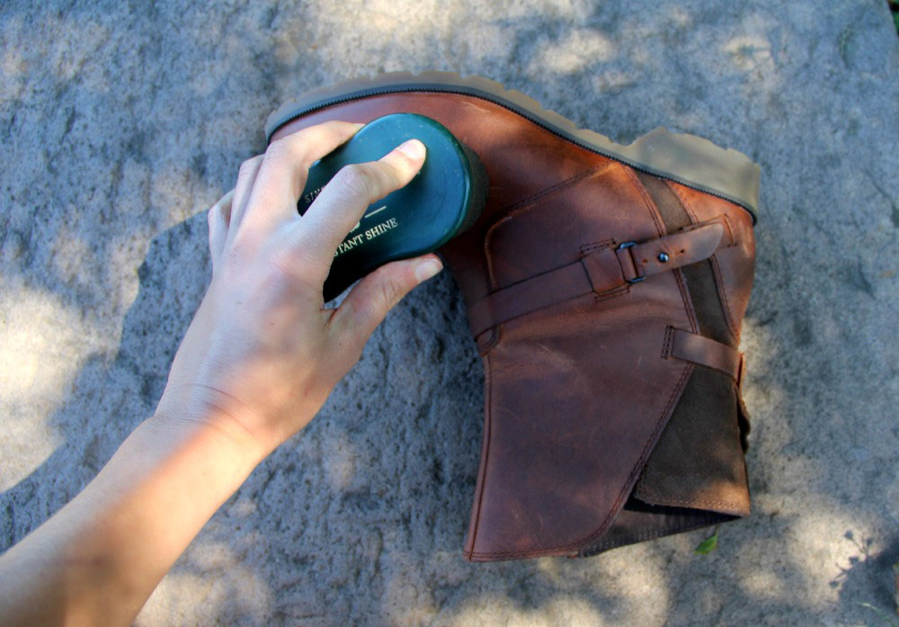 Giving Teva boots leather conditioner & waterproofing treatment