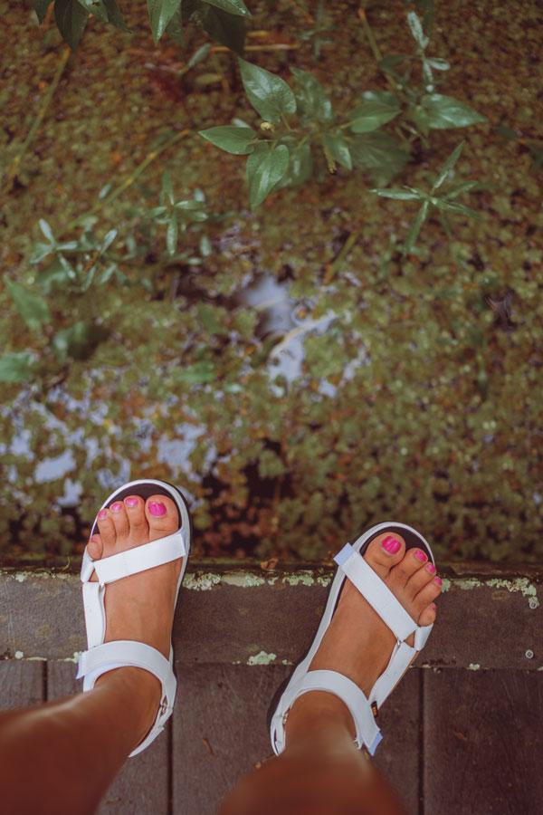 Flatform sandals.